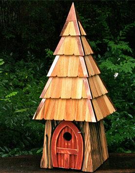 Bird House for Sapsuckers and Common Backyard Birds