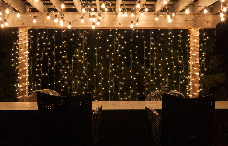 Best ever backyard lighting string lights yard envy - How to use lights to decorate your patio ...