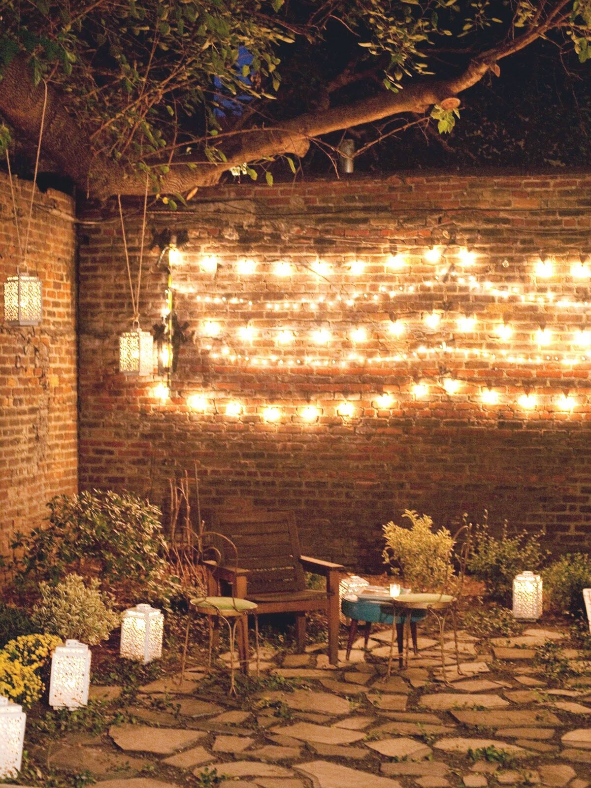 Drawstring Wall Lights : Hanging Patio String Lights: A Pattern of Perfection - Yard Envy
