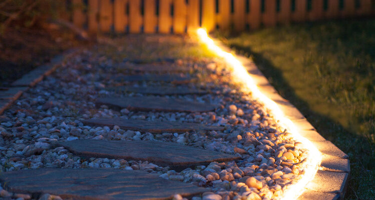 Pathway lights ideas using rope light along the walkway and more!