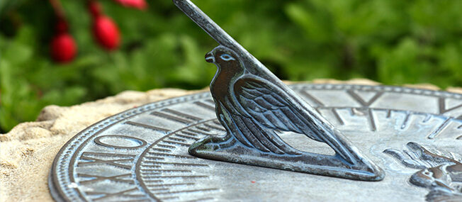 How To Position A Sundial To Tell The Time In Your Garden Or Backyard!