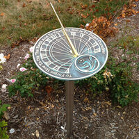 All about garden sundials