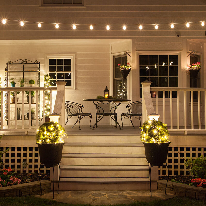 The Backyard Bistro create a backyard cafe with bistro lights! - yard envy